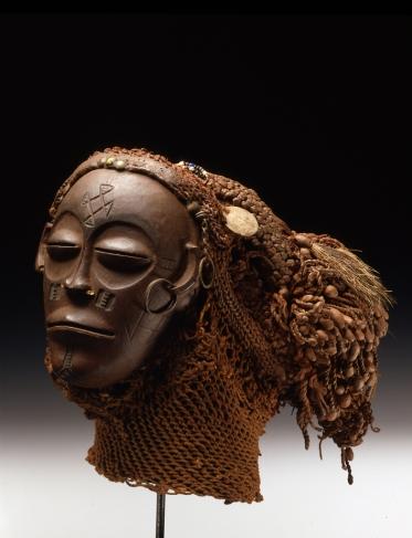 Mask mwana poo, Angola, Chokwe | © Staatliche Museen zu Berlin, Ethnologisches Museum/Martin Franken; CC NC-BY-SA